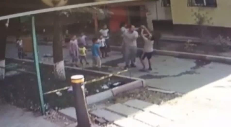 В Ташкенте завели дело на мужчину, избившего соседского мальчика
