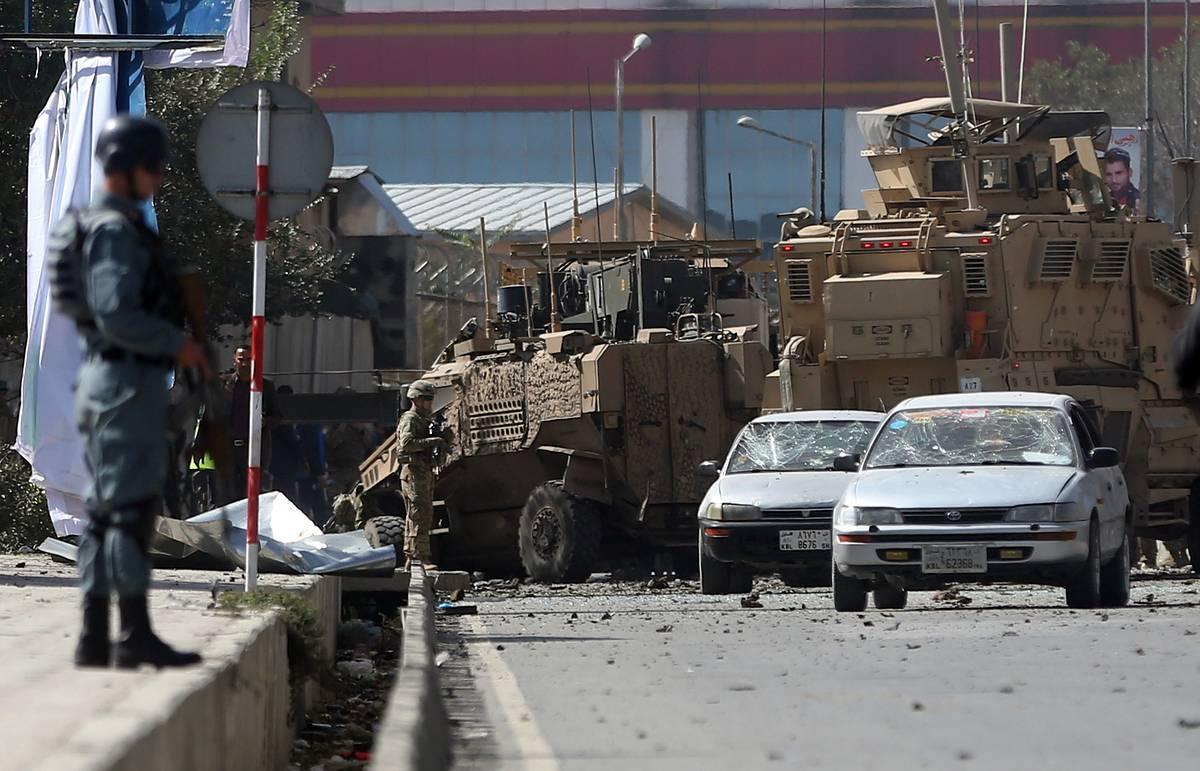 Террористы пригрозили терактами возле аэропорта Кабула