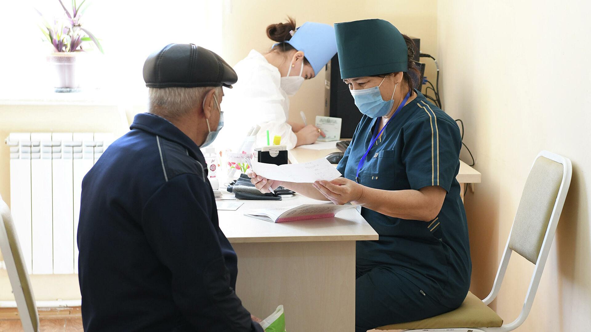 За сутки более 200 тысяч узбекистанцев привились от коронавируса — статистика