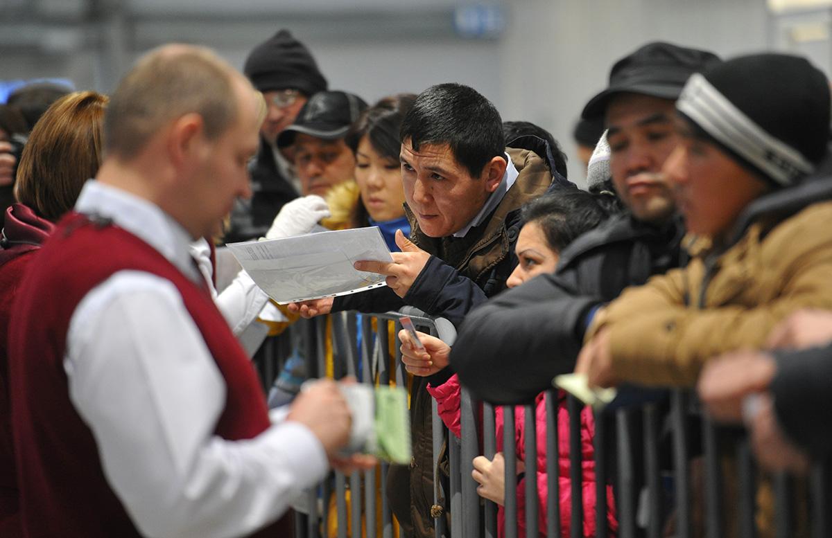 МВД России порекомендовало мигрантам оформить документы до 30 сентября