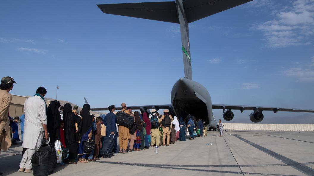 Ряд стран сворачивает эвакуацию людей из Афганистана