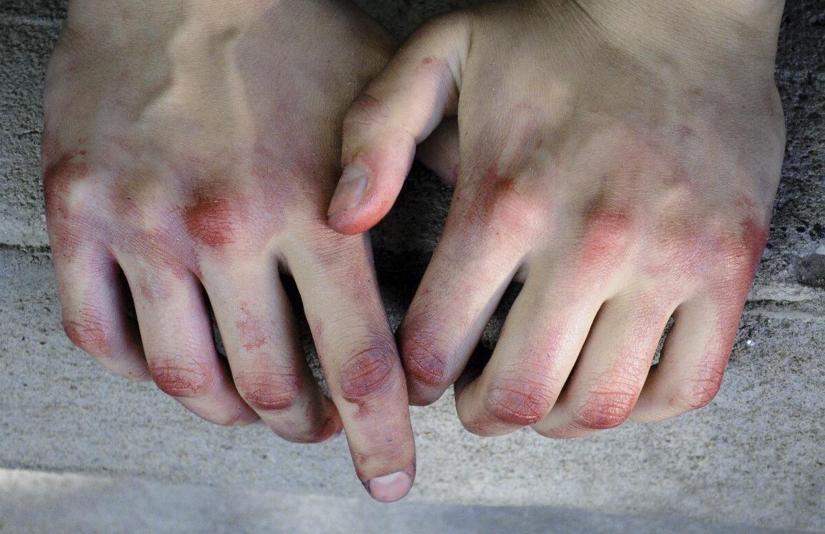 В Намангане осудили мужчину, который забил насмерть своего отца и мачеху