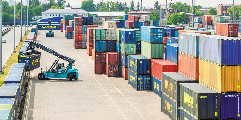 Министерство инвестиций и внешней торговли рассказало о экспорте и товаров и услуг за семь месяцев 2021 года