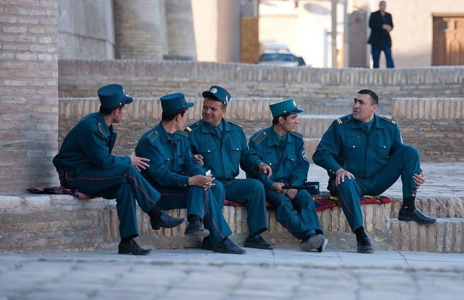 В Узбекистане лучших сотрудников ОВД будут награждать надбавками к окладу