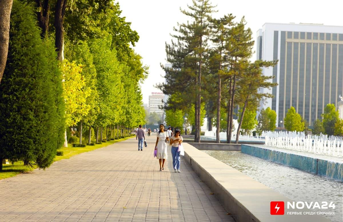 Узбекистанцам рассказали, какой погодой их встретит осень