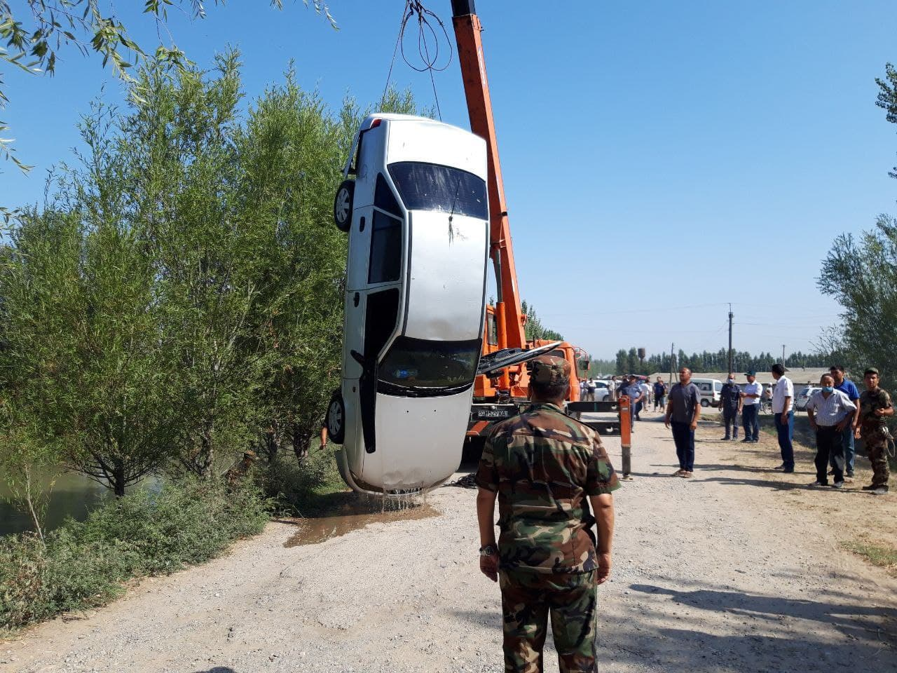 В Намангане пьяный водитель Nexia вылетел в канал