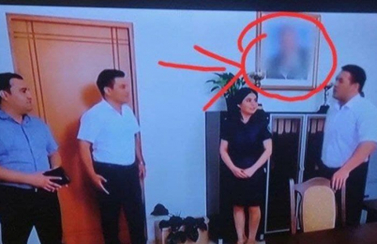 В одном из сериалов на местном ТВ «заблюрили» портрет Ислама Каримова