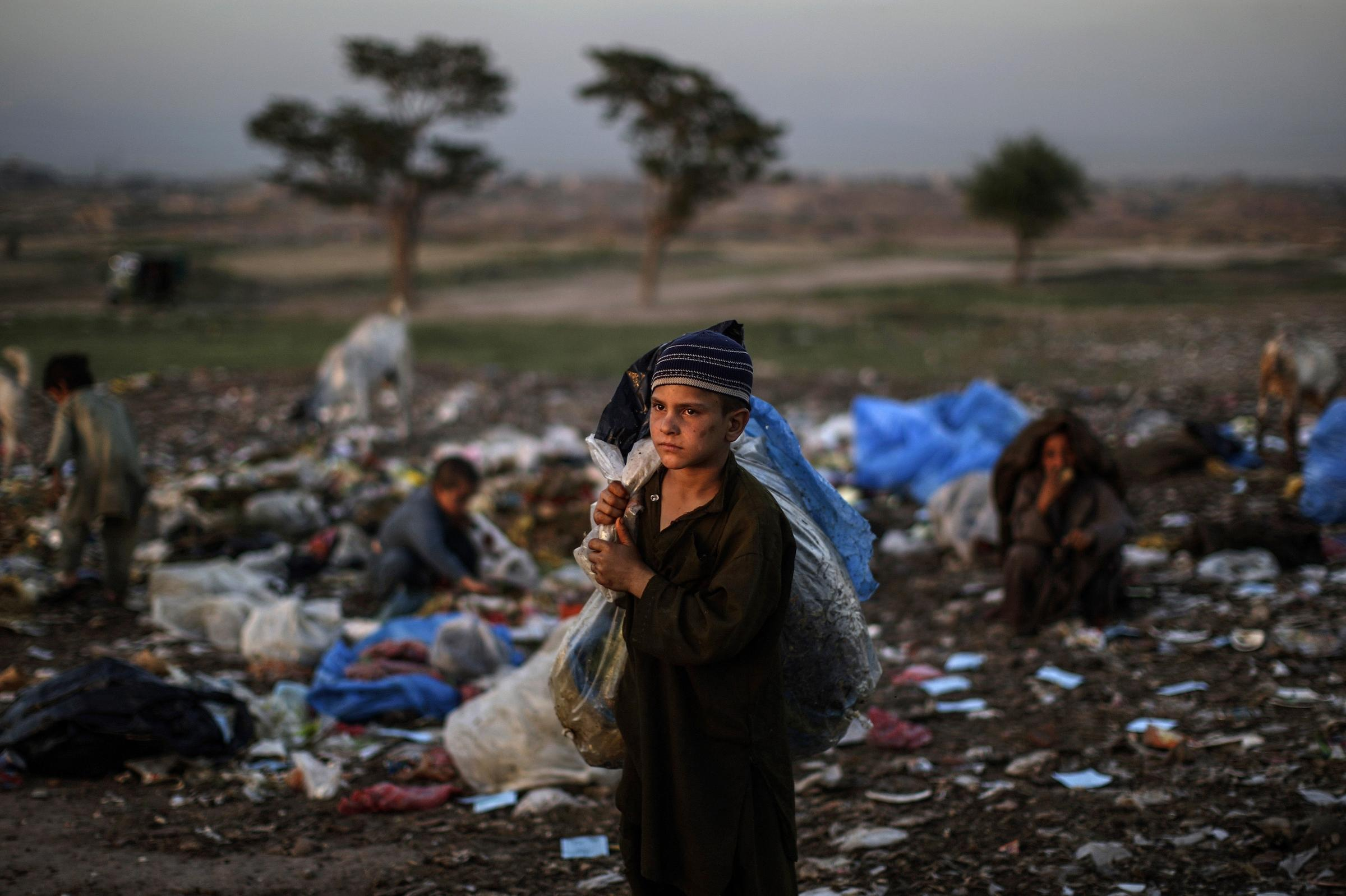 ЕС окажет финансовую поддержку соседним с Афганистаном странам для приема беженцев