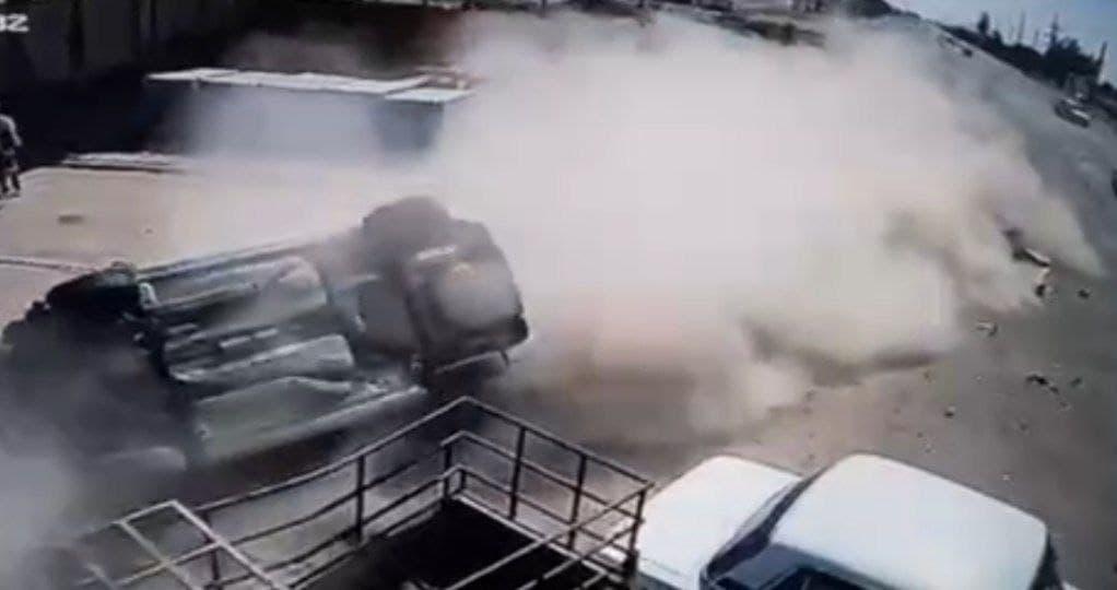 В Кашкадарье Cobalt столкнулся с Lacetti, вылетел с трассы и перевернулся — видео