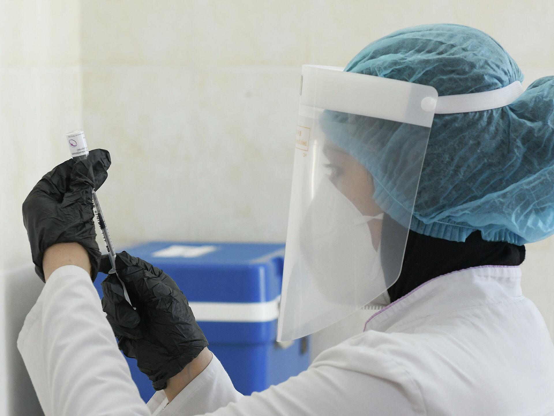 Узбекистанцы смогут вакцинироваться в праздничные выходные