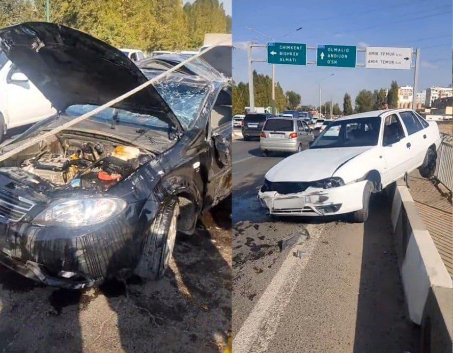 В Ташкенте произошло крупное ДТП сразу с четырьмя машинами