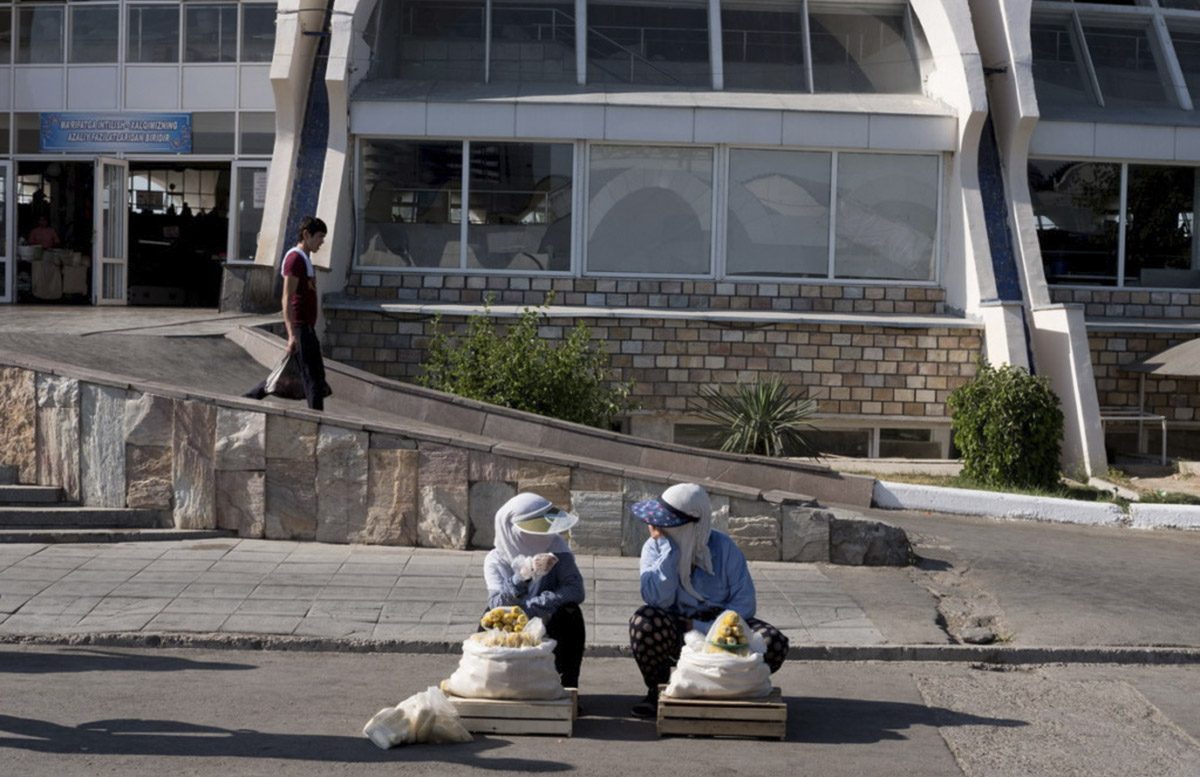 Узбекистанцев предупредили о жаркой погоде в выходные дни