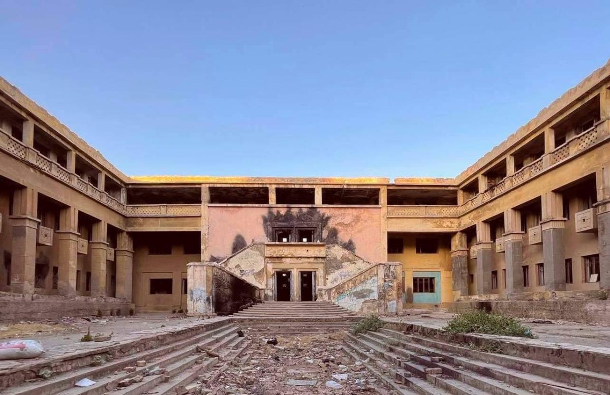 В Чирчике могут снести здание бывшей гостиницы Чирчикстрой