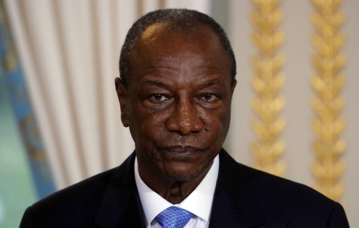 В Гвинее лидер мятежников объявил об аресте президента страны