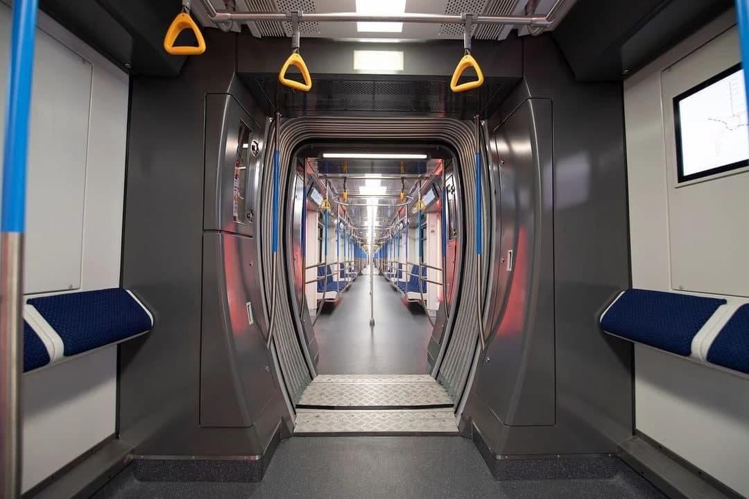 В столичном метро на Чиланзарской линии запустили в эксплуатацию новые составы