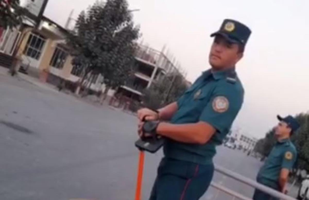 Житель Андижана запечатлел отсутствие масок и боди-камер у сотрудников ДПС — видео