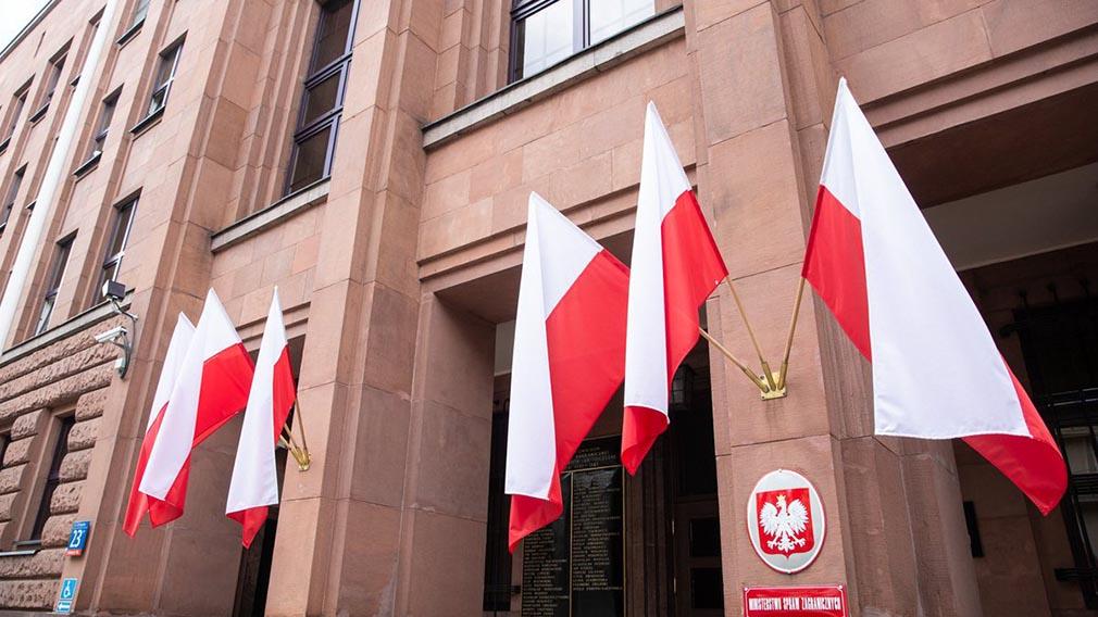 Польша отправит Узбекистану 250 тысяч доз вакцины от коронавируса