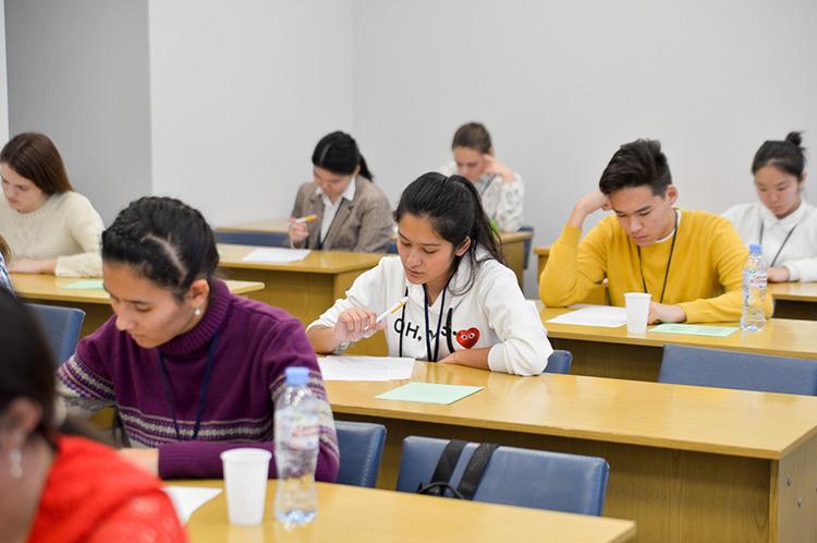 В Узбекистане ежегодно будет проводиться конкурс «Лучшая школа по обучению иностранных языков»