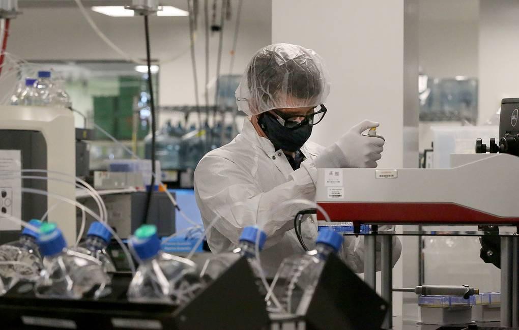 Американская компания Moderna разрабатывает единую вакцину от гриппа и коронавируса