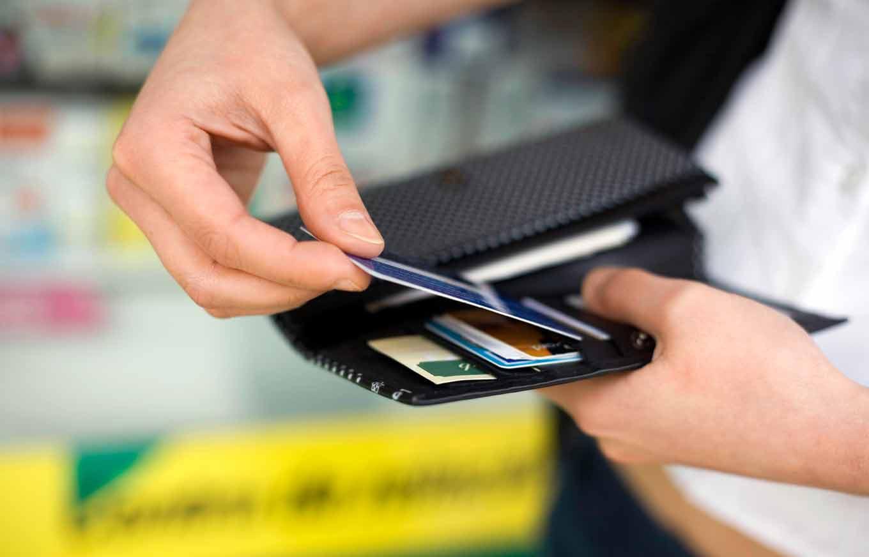 Продавцы стали чаще просить оплатить покупку с карты на карту