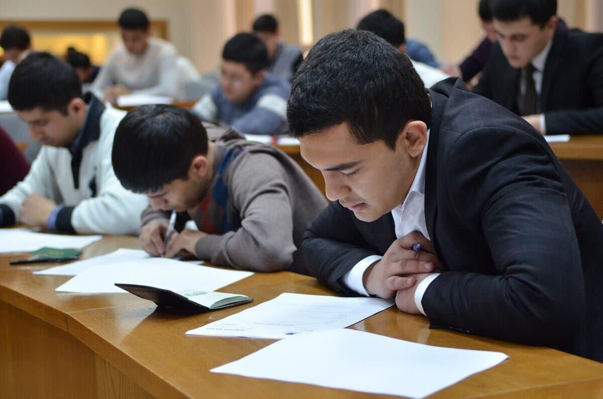 В Узбекистане установили квоту государственной стипендии президента