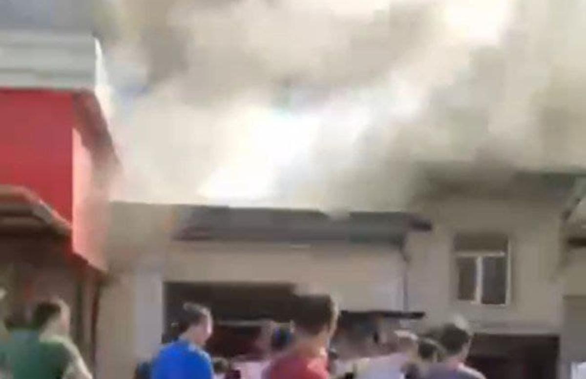 В Ташкенте загорелось кафе — видео