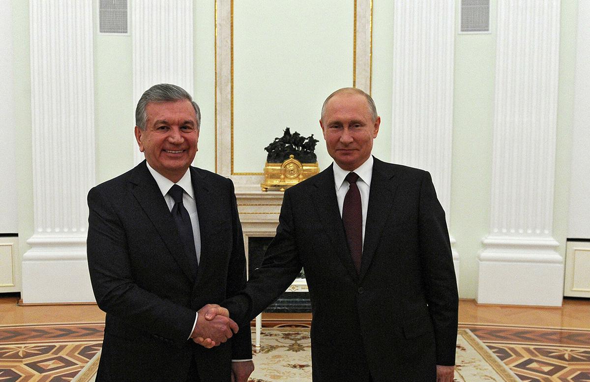 Шавкат Мирзиеев обсудил текущую ситуацию в Афганистане с Владимиром Путиным