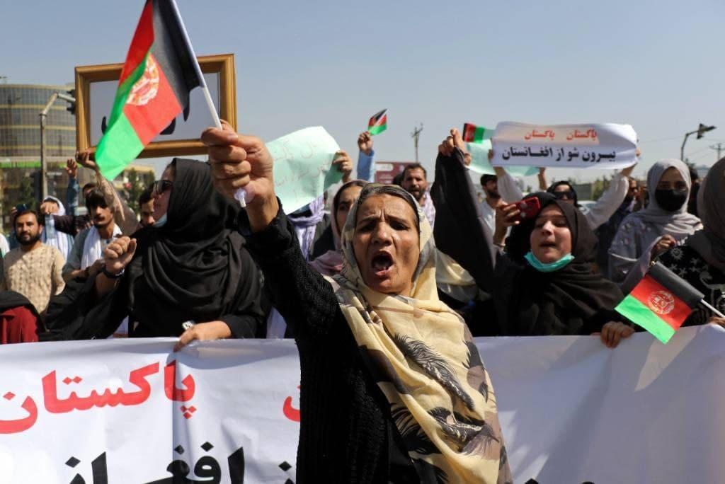 Тысячи афганцев вышли на протесты против талибов в Кандагаре