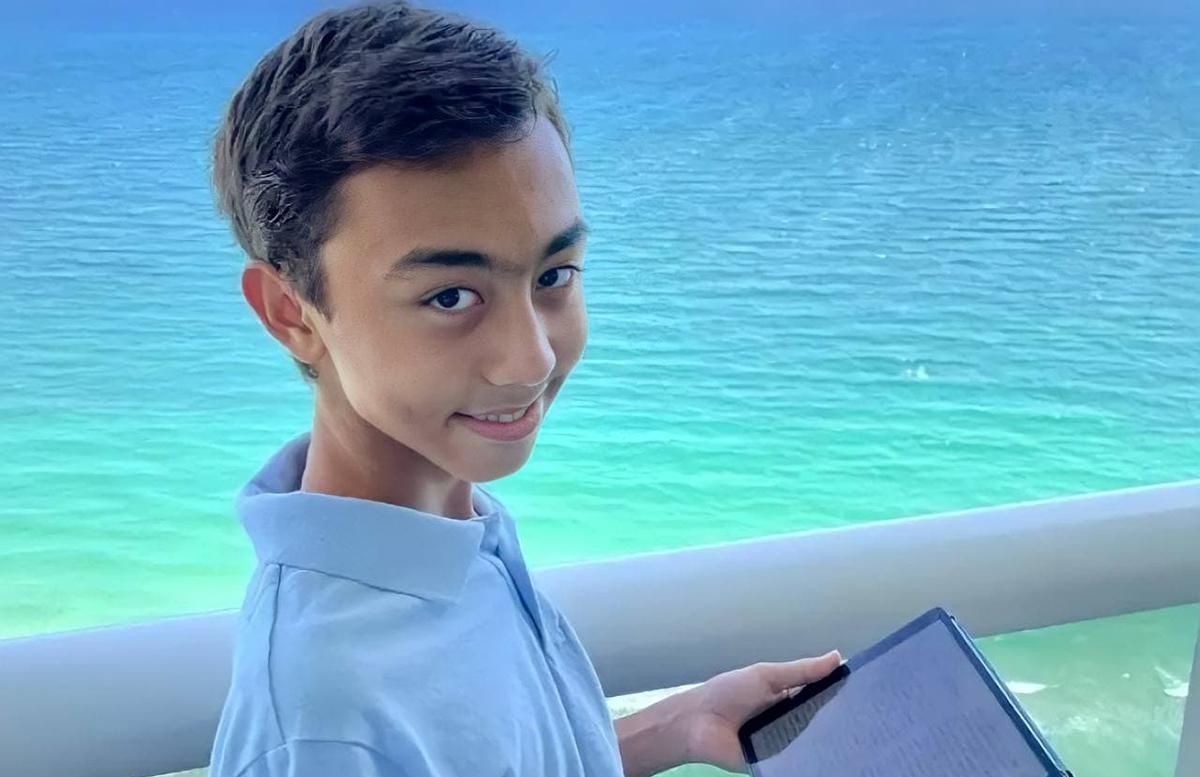 Мальчик из Узбекистана исправил ошибку в приложении от Apple