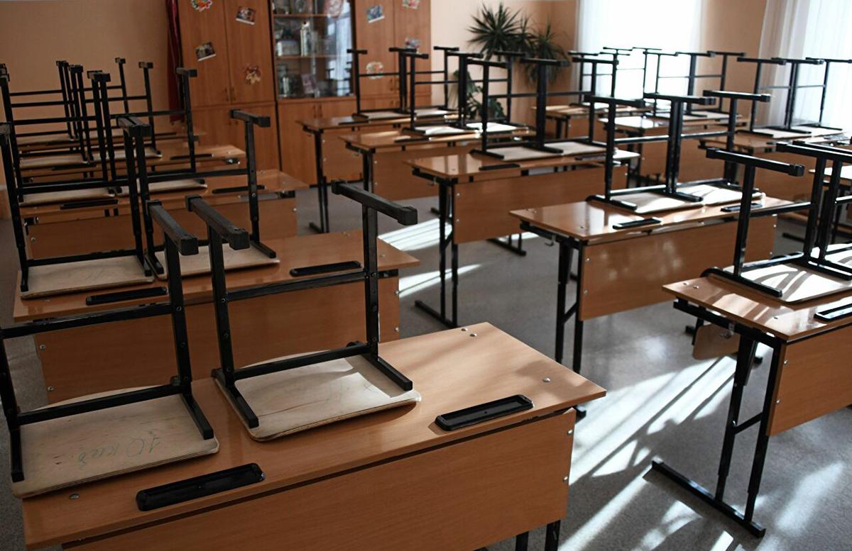 В Кашкадарье одну из школ закрыли из-за десятков заболевших «короной» детей