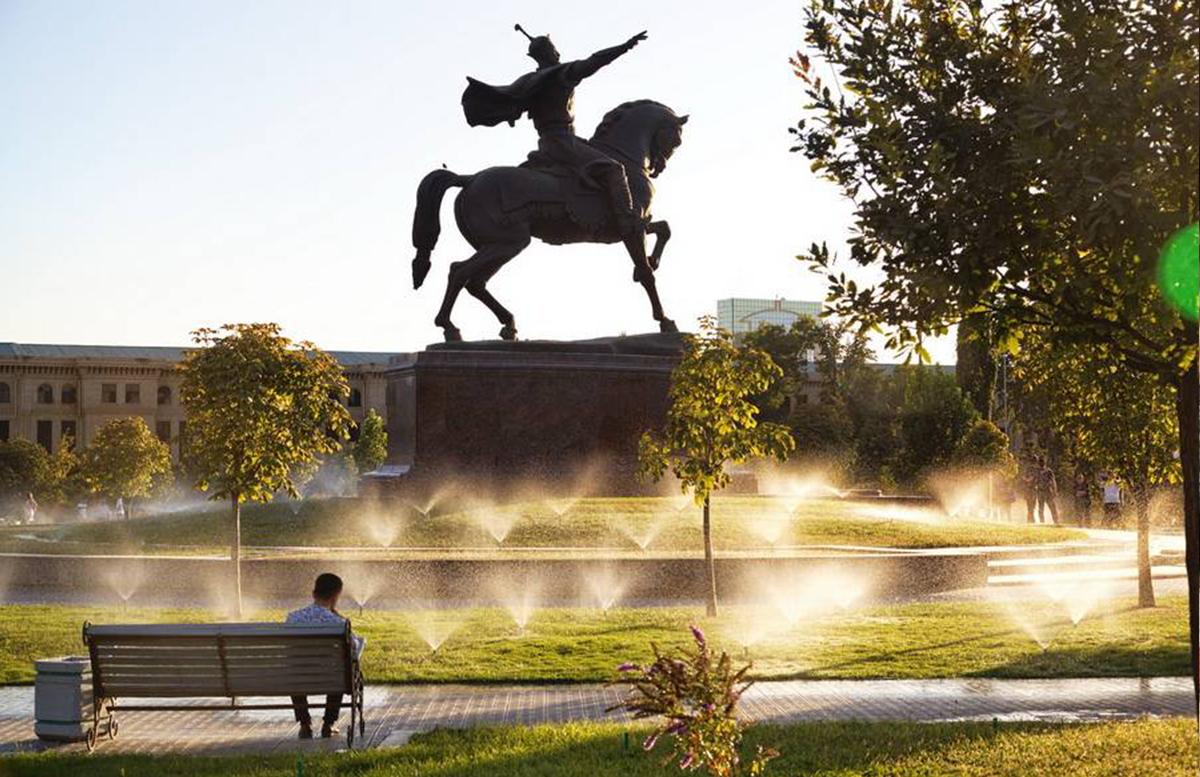 Узбекистанцам пообещали теплую и солнечную погоду на выходные