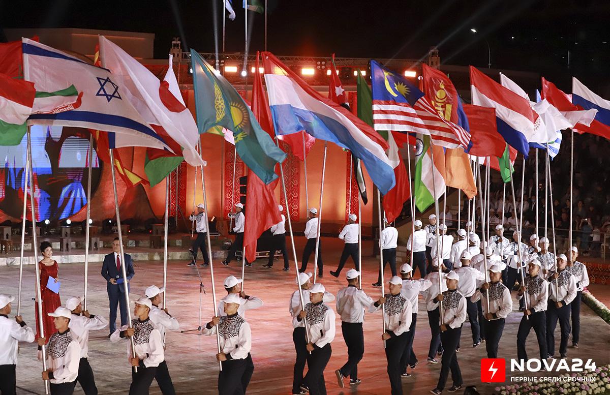 В Нукусе начался II Международный фестиваль искусства бахши