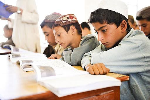 Талибы объявили о начале школьных занятий для афганских мальчиков