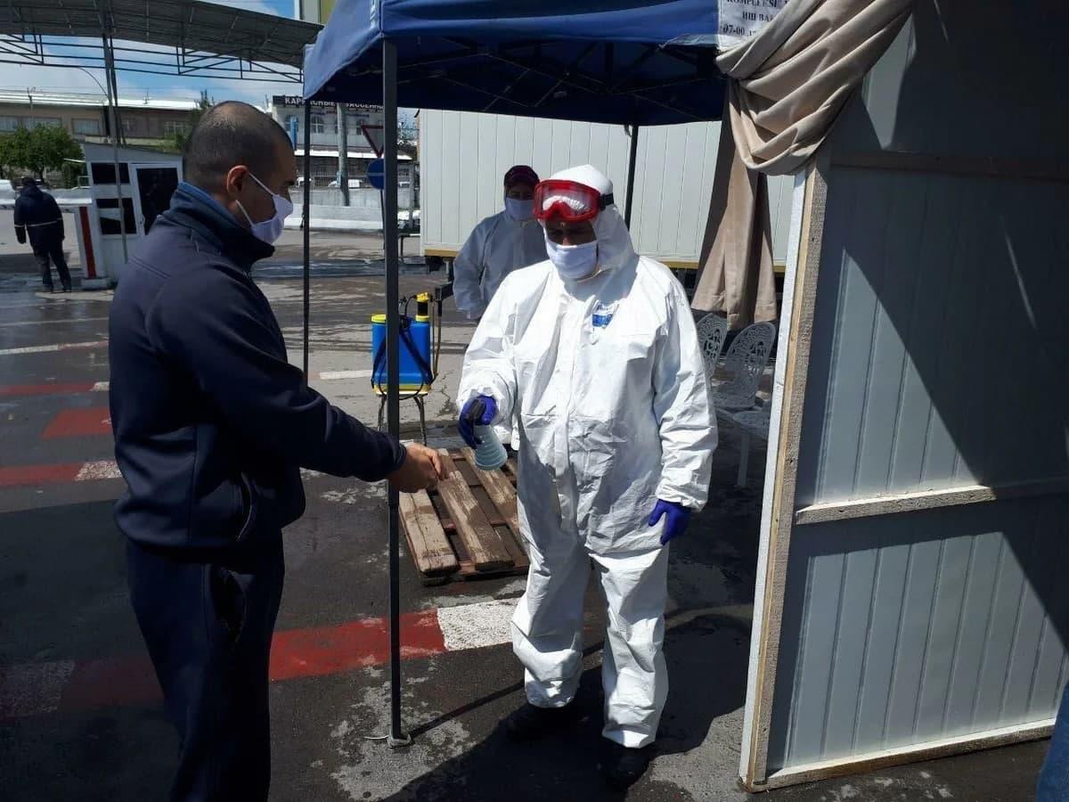 Воскресный спад: за последние сутки выявили 580 новых случаев заражения коронавирусом