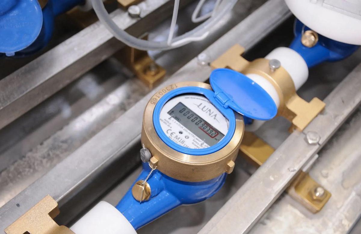 Выяснилось, кто платит за электронные счетчики холодной воды в Узбекистане