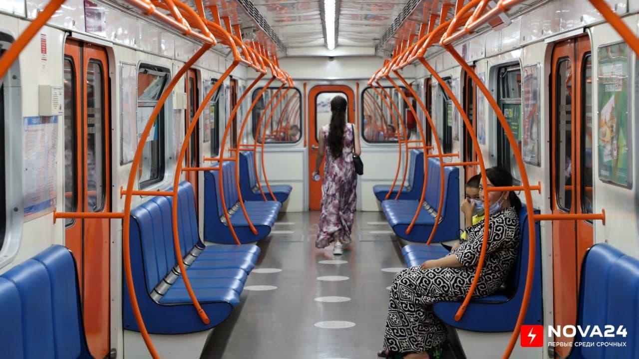 В столичном метро мужчина домогался 13-летней девочки