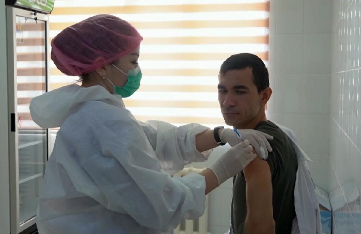 За сутки свыше 228 тысяч человек вакцинировались от коронавируса — статистика