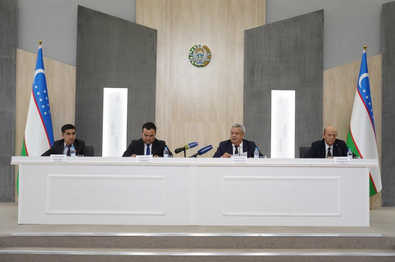 В Узбекистане отменили работу 16,5 тысяч комиссий по аттестации учителей