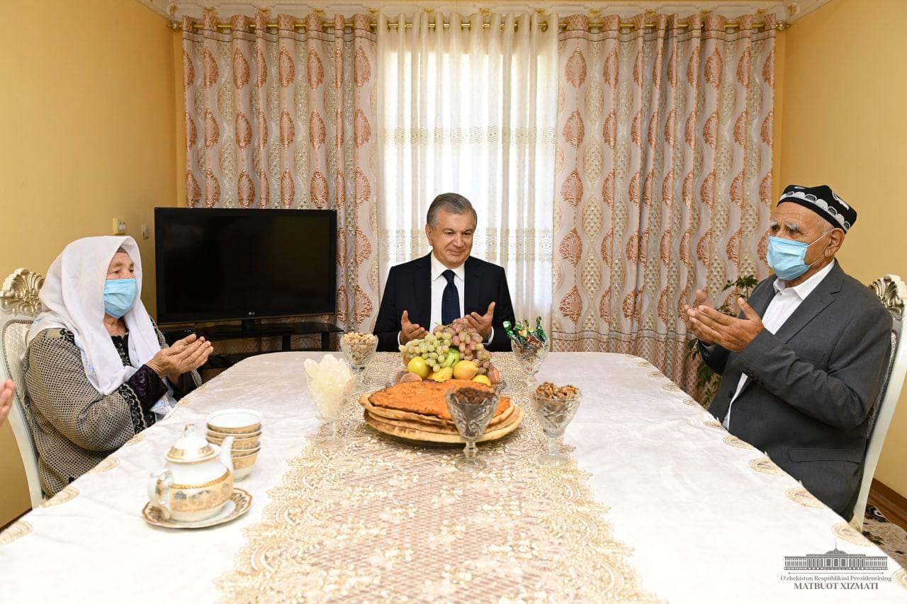 Шавкат Мирзиёев побывал в Хивинском районе