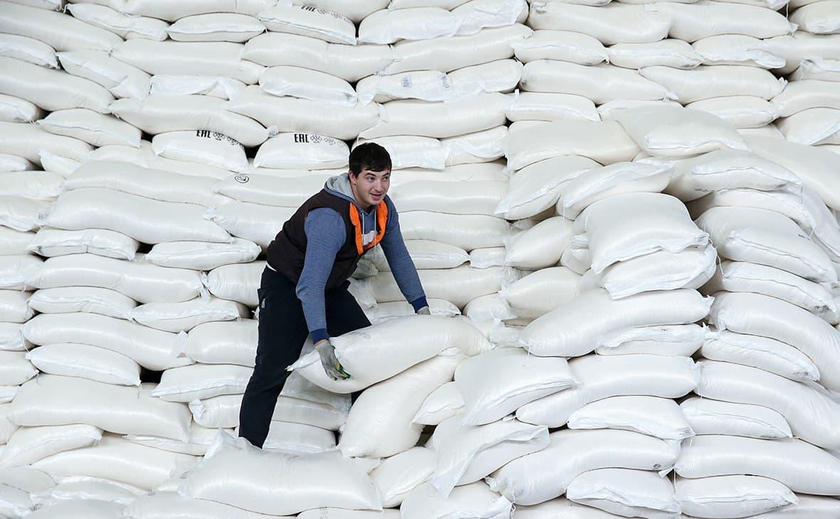 В Узбекистане с начала 2021 года произвели почти 385 тысяч тонн сахара