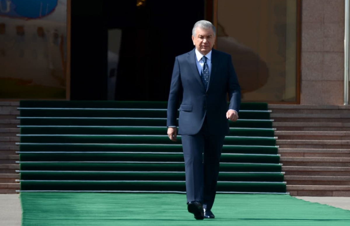 Шавкат Мирзиёев отправился в Самаркандскую область