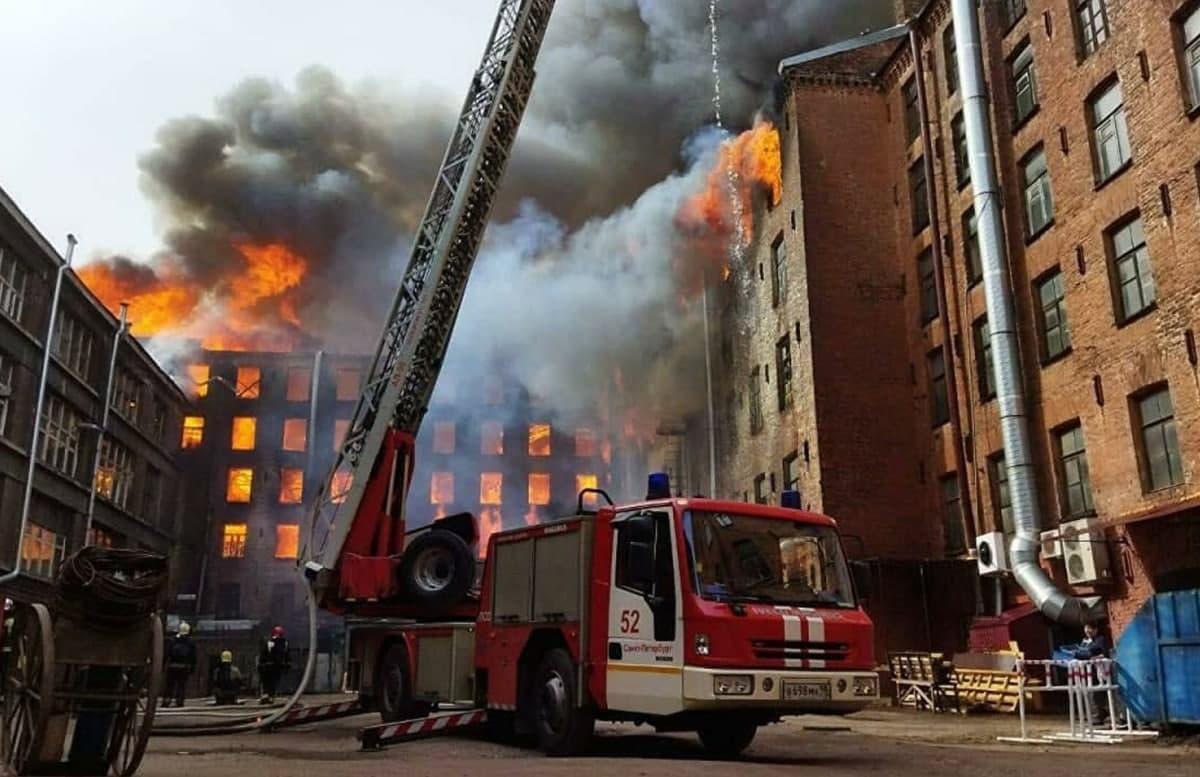 В России осудили главу компании, где при пожаре погибли 12 человек