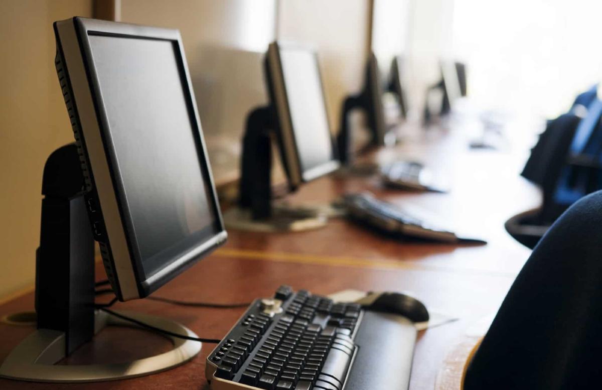 Госкомстат подсчитал количество компьютеров в домах узбекистанцев