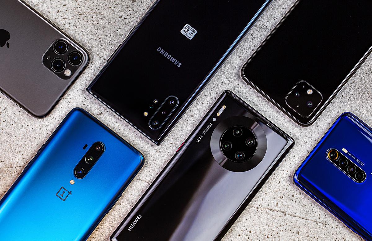 Импорт мобильных телефонов вырос в четыре раза