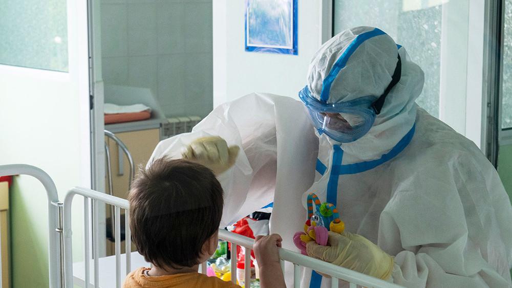 Оценен риск тяжелого протекания коронавируса у детей