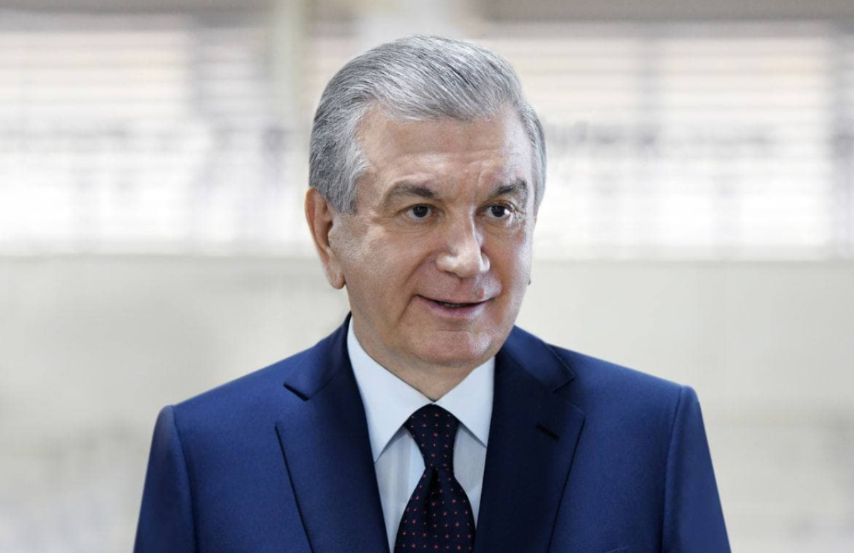 Шавкат Мирзиёев побеседовал с врачами Андижанского государственного медицинского института