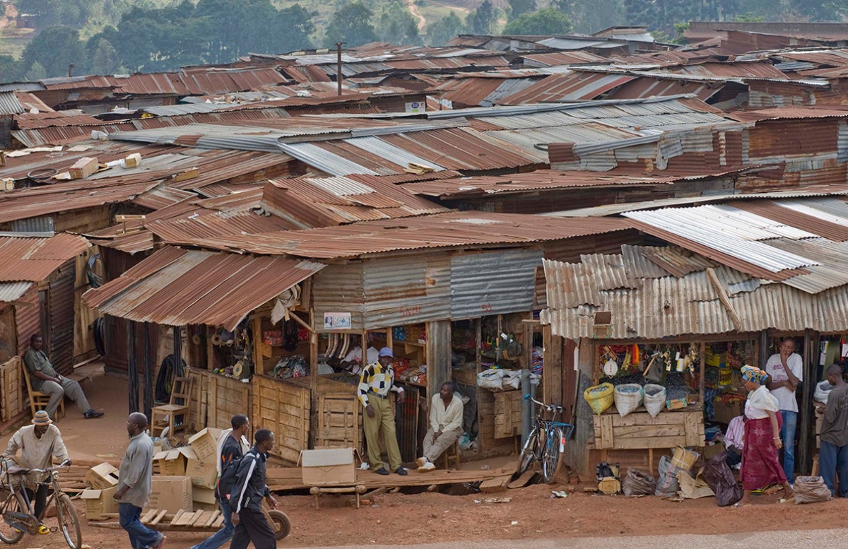 Сотрудников ВОЗ обвинили в изнасиловании женщин в ДР Конго во время эпидемии Эболы