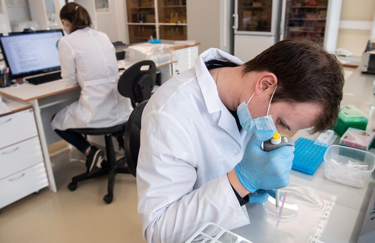 Ученые обнаружили причину невосприимчивости некоторых людей к коронавирусу