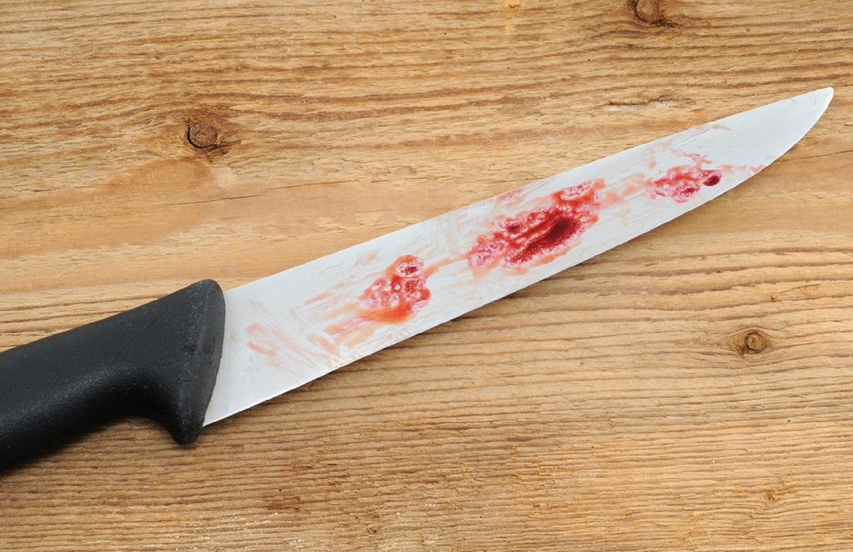 В Коканде вынесли приговор парню, нанесшему девять ножевых ранений своему брату