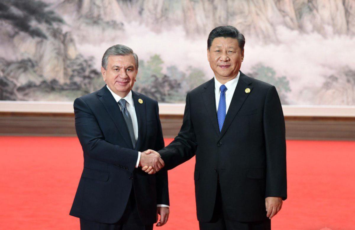 Шавкат Мирзиёев поздравил Си Цзиньпина с днем образования Китая